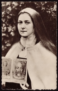 st-therese-with-holy-face-and-child-jesus