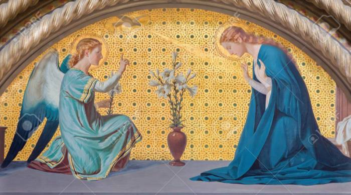 83839776-turin-italy-march-15-2017-the-fresco-of-annunciation-in-church-chiesa-di-san-dalmazzo-by-luigi-gugli